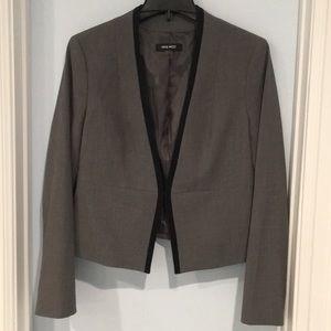 Grey black tailored jacket size 6. NWOT.